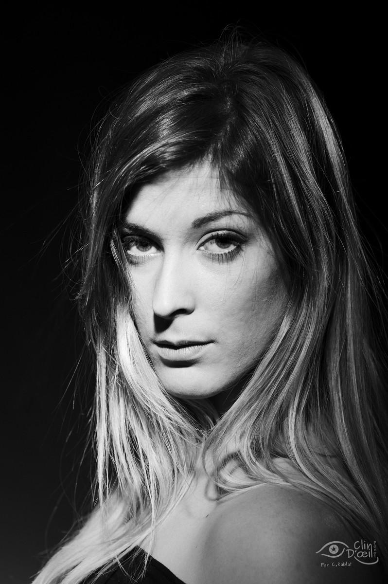Caroline - SHooting photo studio - Clin d'oeil Ponot - Photographe au Puy en Velay (43)