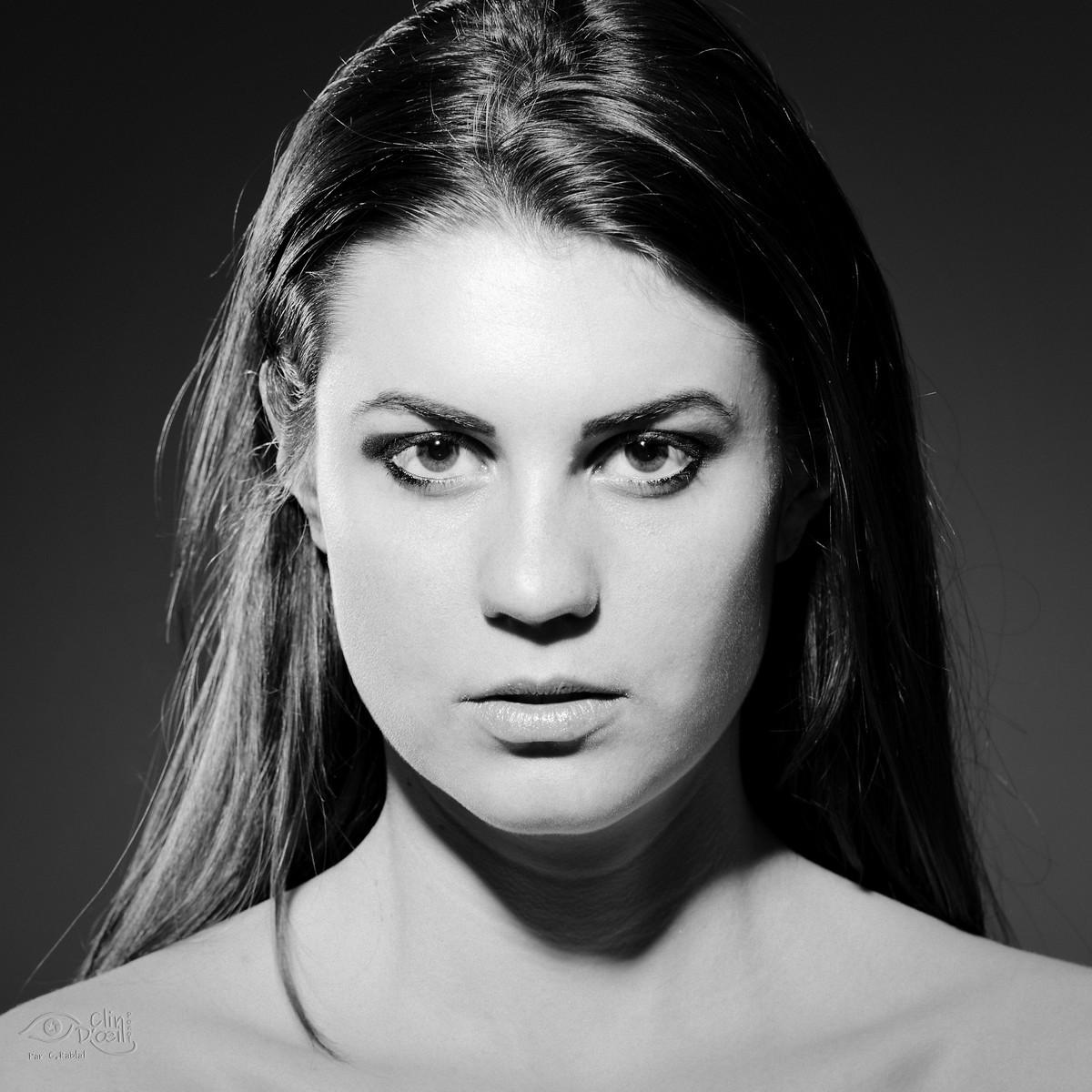 Beliebt Portrait Noir et Blanc - Portraitserré noir et blanc - Clin d'oeil  OV69