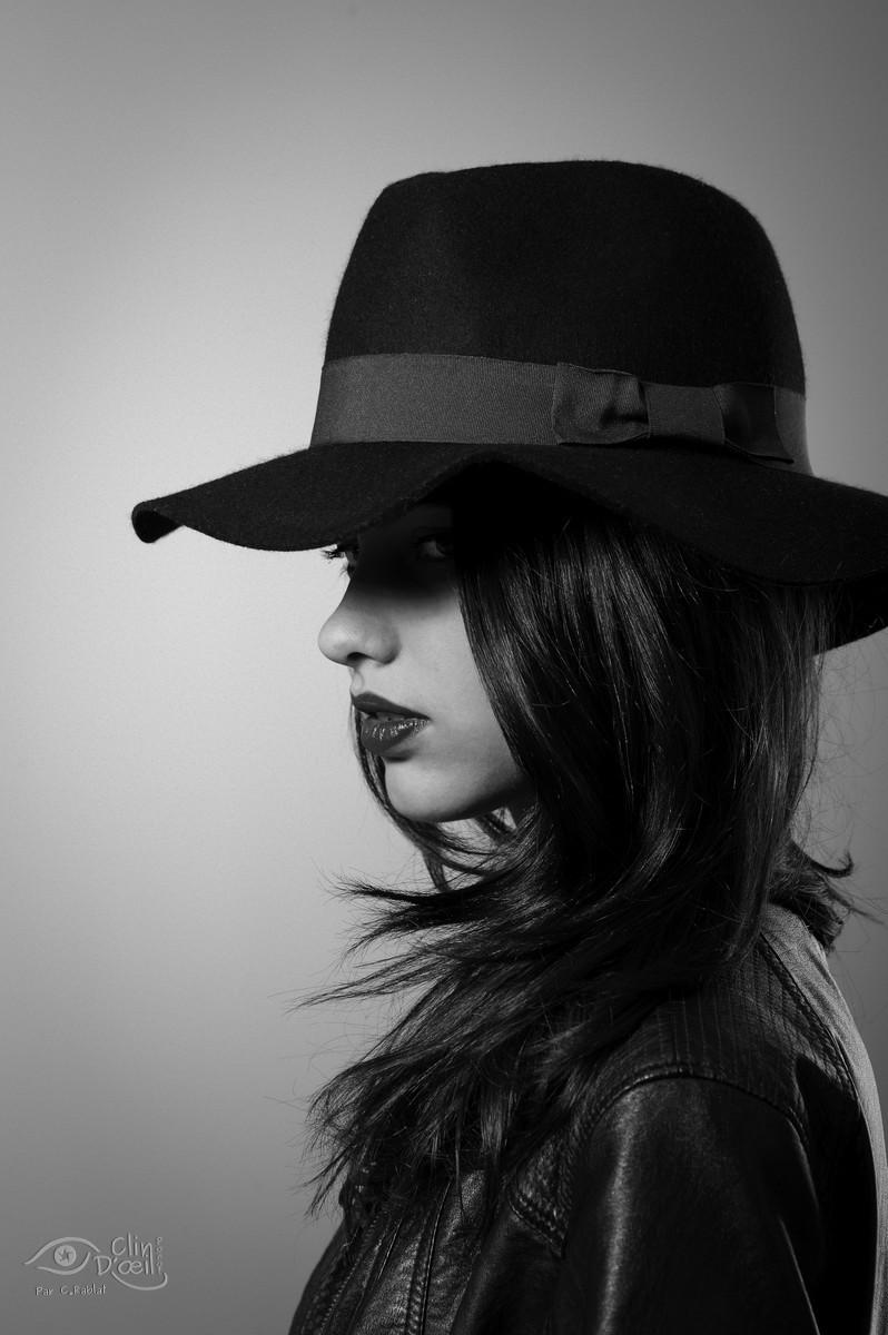portrait noir et blanc shooting photo en studio clin d 39 oeil ponot photographe au puy en. Black Bedroom Furniture Sets. Home Design Ideas